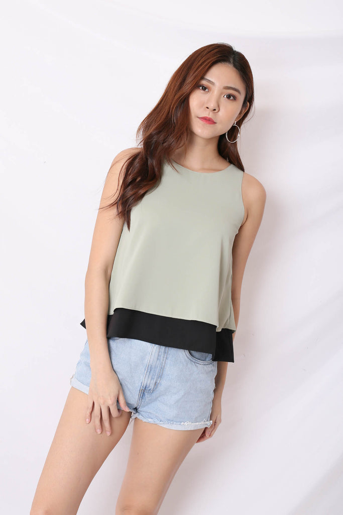*TPZ* (PREMIUM) BECCA 4 WAYS REVERSIBLE TOP (SAGE GREEN/ BLACK)