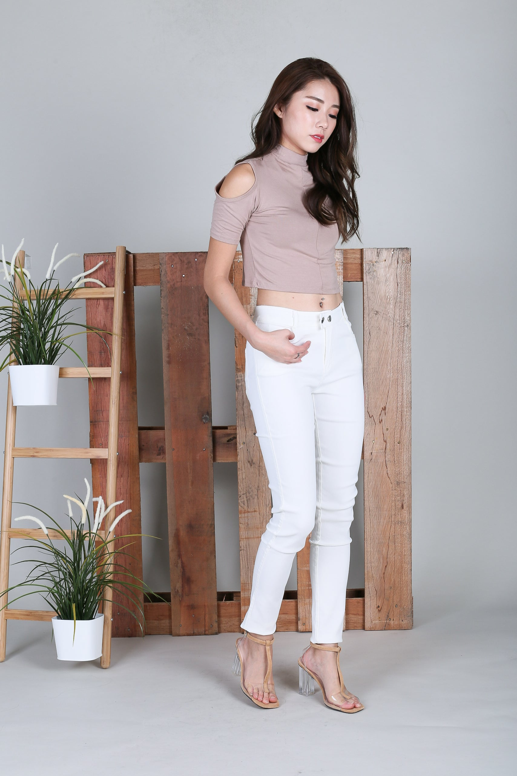 COLD SHOULDER CROP TOP IN TAUPE