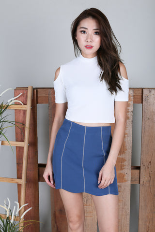 COLD SHOULDER CROP TOP IN WHITE
