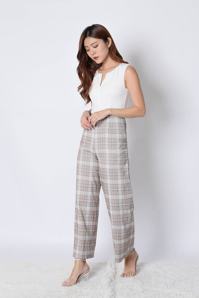 *TPZ* (PREMIUM) KLEN CLASSIC CHECKERED 2 WAY JUMPSUIT IN WHITE - TOPAZETTE