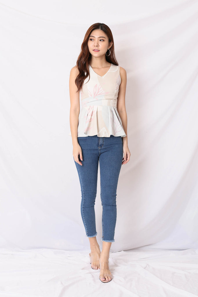 *TPZ* (PREMIUM) AVALYN PEPLUM TOP IN MUTED FLORALS