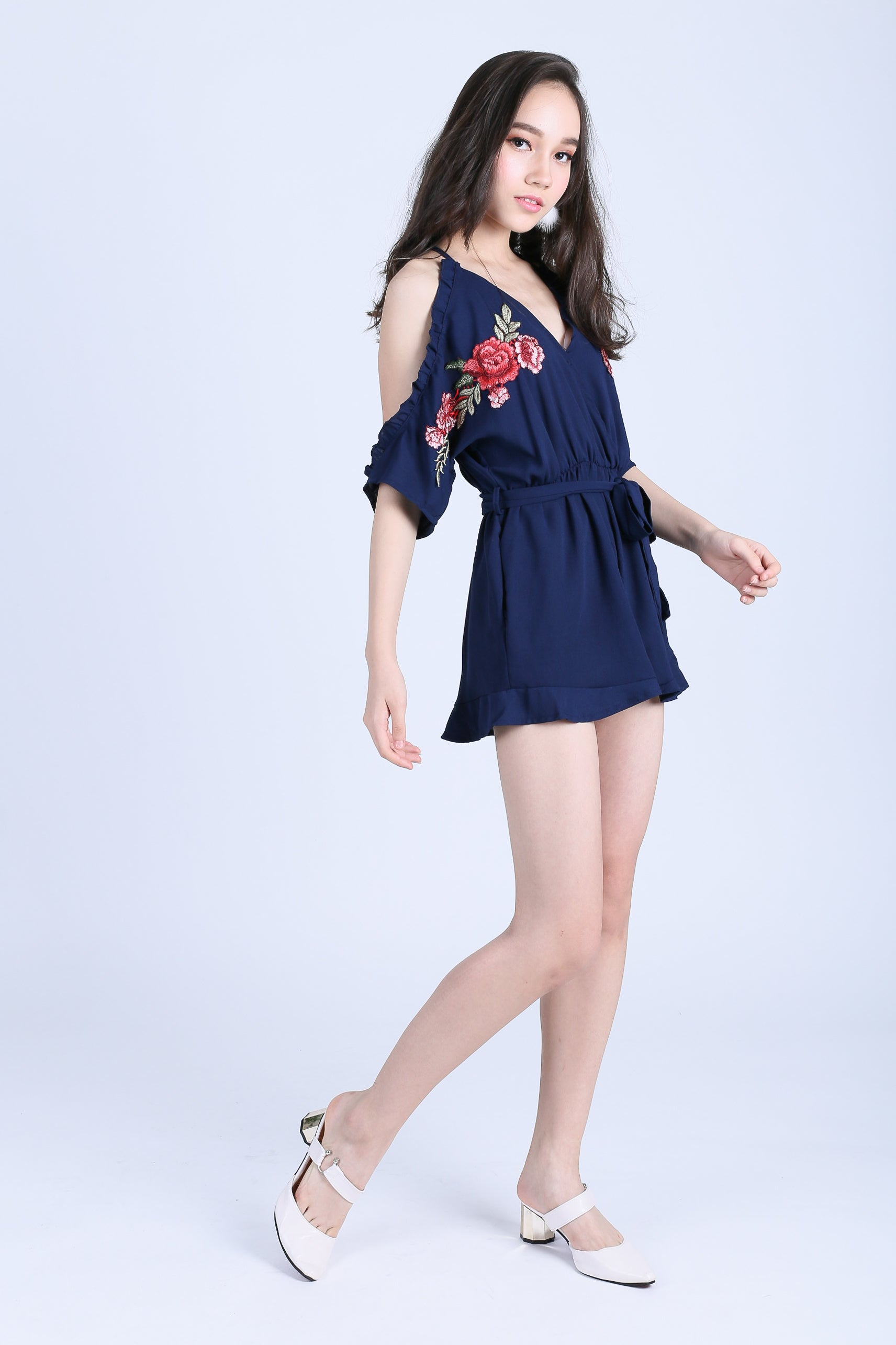 LOVELLE ROSE EMBROIDERY ROMPER IN NAVY