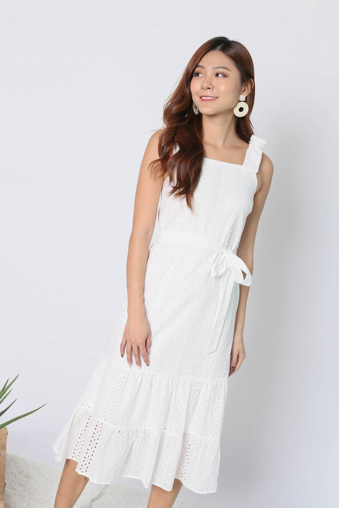 *TPZ* (PREMIUM) BEX EYELET RIBBON DRESS IN WHITE - TOPAZETTE