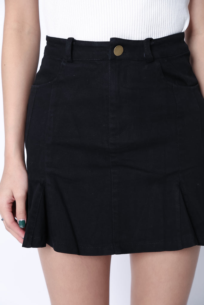 (RESTOCKED) RUNAWAY DENIM FLARE SKIRT IN BLACK - TOPAZETTE