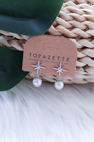 *RESTOCKED* AVERY SNOW FLAKE AND PEARL EARRINGS