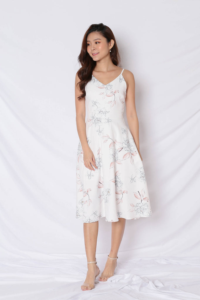 *TPZ* (PREMIUM) SELVIA DRESS IN WHITE FLORALS - TOPAZETTE