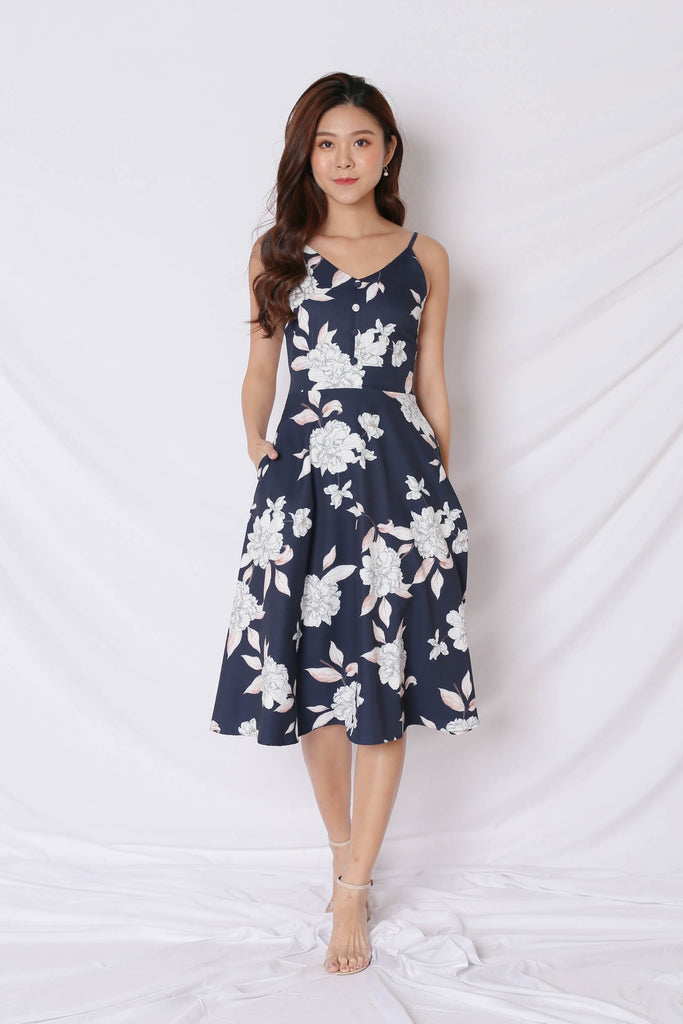 *TPZ* (PREMIUM) SELVIA DRESS IN NAVY FLORALS