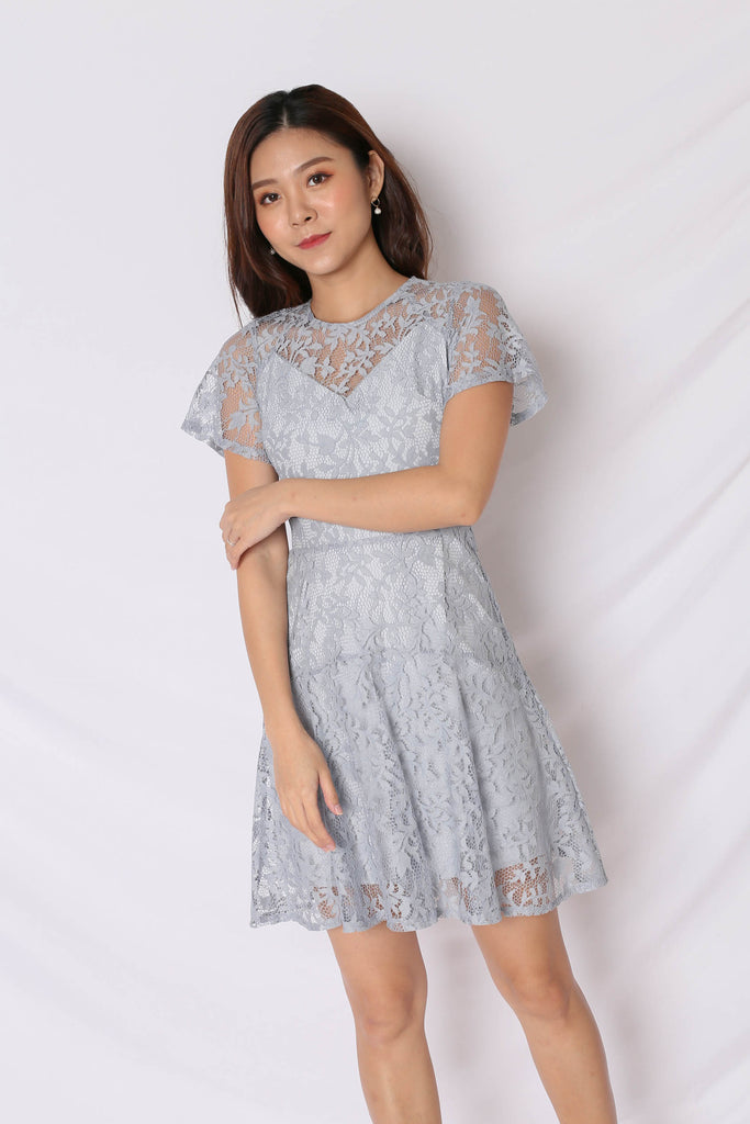 *TPZ* (PREMIUM) ALYTON LACE DRESS IN DUSTY BLUE - TOPAZETTE