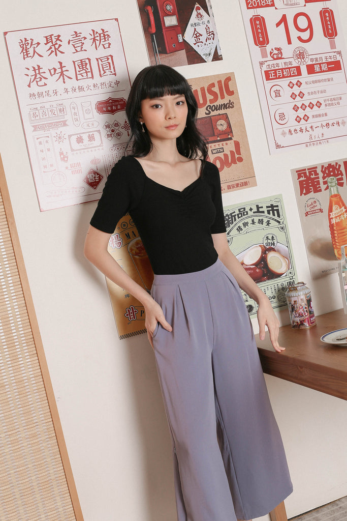 *TPZ* DENIA BASIC RUCHED TOP IN BLACK