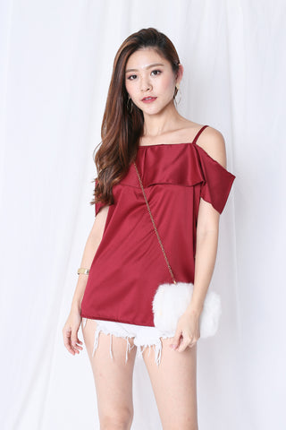 SHAS COLD SHOULDER DRAPE TOP IN WINE