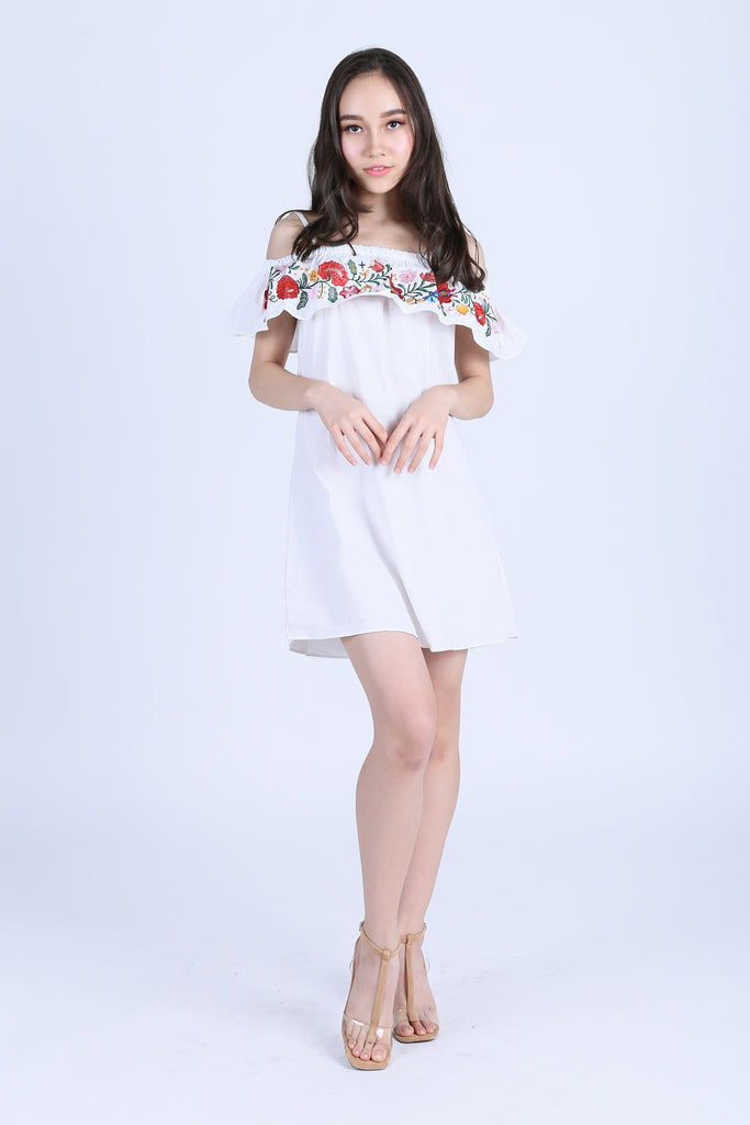 ADLEY EMBROIDERY DRESS IN WHITE - TOPAZETTE