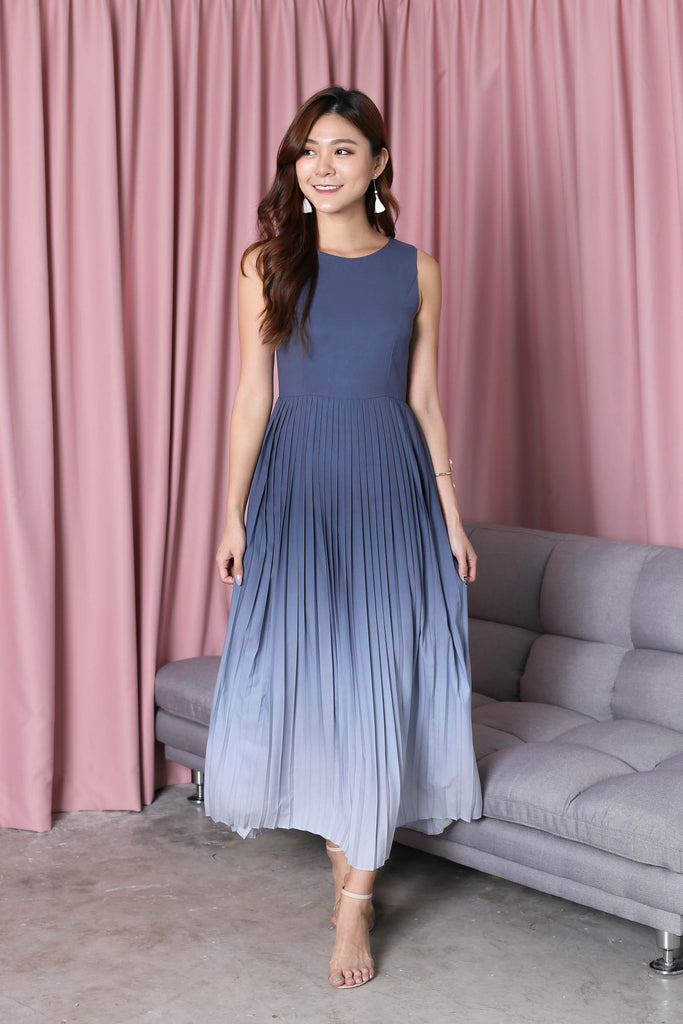 *TPZ* (PREMIUM) ESTELLA PLEATED OMBRE MAXI (ASH BLUE/ GREY) - TOPAZETTE