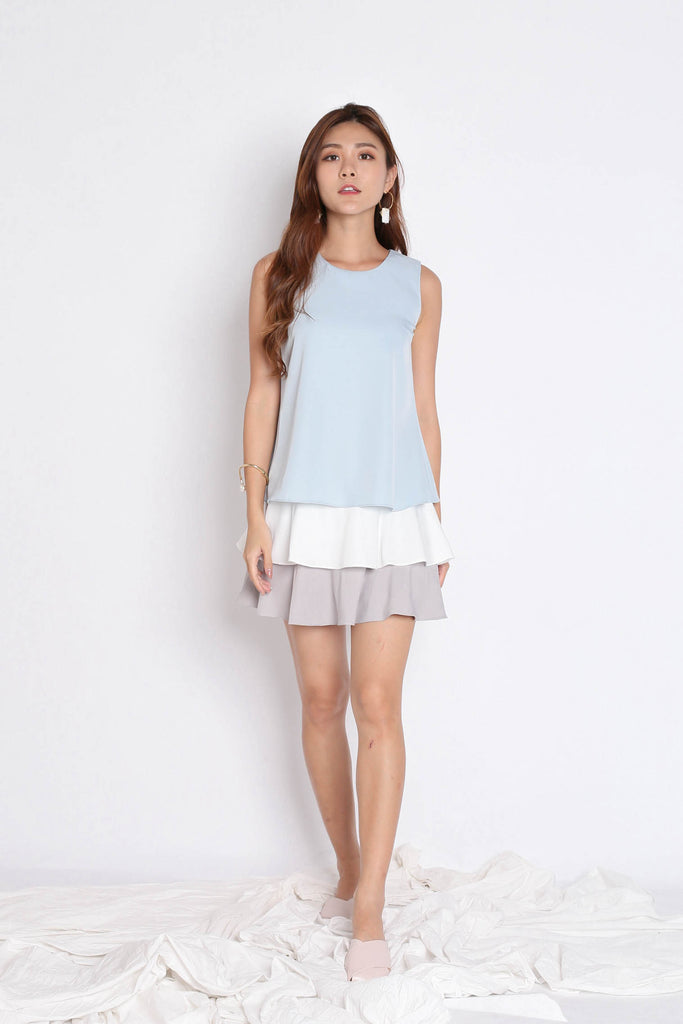 (PREMIUM) DOVE COLOUR BLOCK TIER DRESS IN DUSTY BLUE