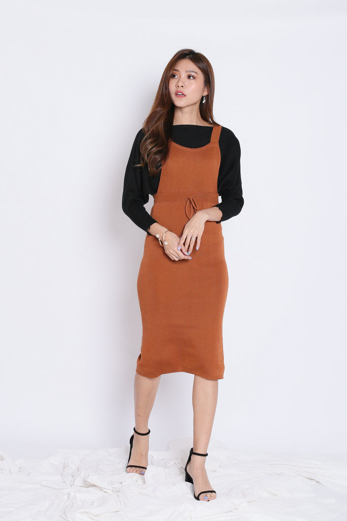 KIMMER KNIT DUNGAREE DRESS IN CAMEL - TOPAZETTE