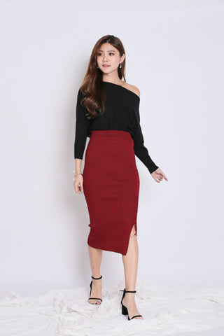 KAX CRISS CROSS KNIT SKIRT IN BURGUNDY