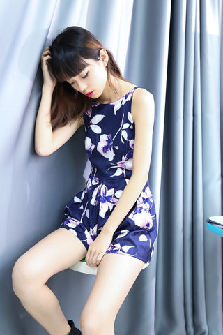 *RESTOCKED* (PREMIUM) FLORAL CRUSH ROMPER IN NAVY - TOPAZETTE