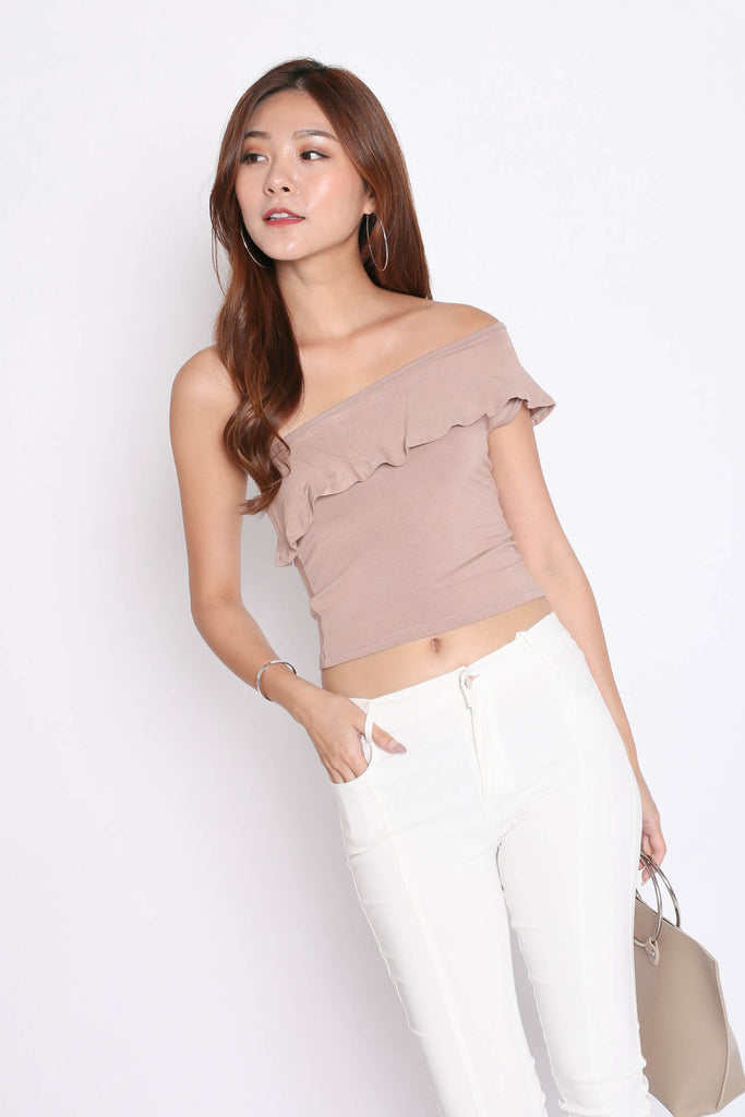 RUFFLES TOGA BASIC TOP IN TAUPE - TOPAZETTE
