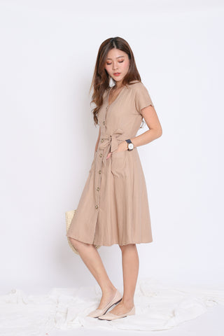 *TPZ* (PREMIUM) URBAN POCKET BUTTON DRESS IN KHAKI