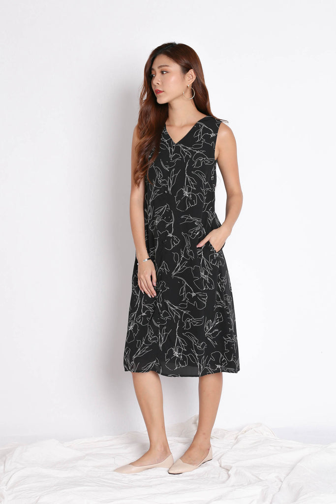 (PREMIUM) SIERRIA ABSTRACT MIDI DRESS IN BLACK - TOPAZETTE