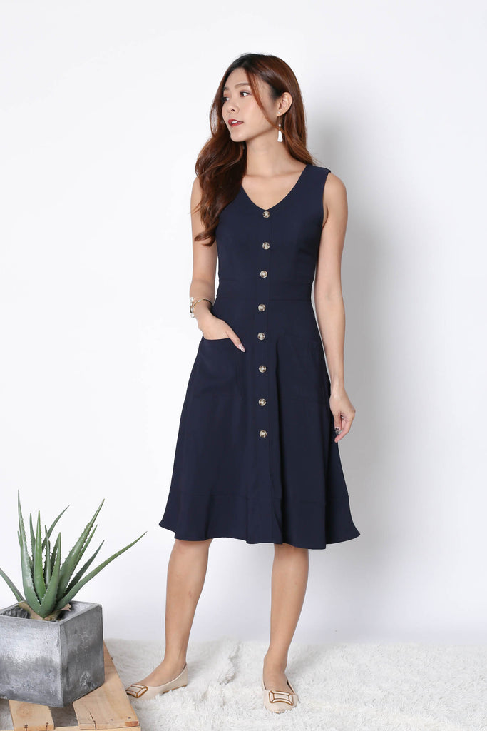 *TPZ* (PREMIUM) GABBY BUTTON DOWN POCKET DRESS IN NAVY