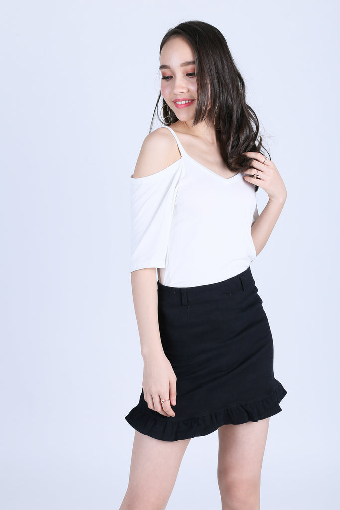 EVERY DAY COLD SHOULDER TOP IN WHITE
