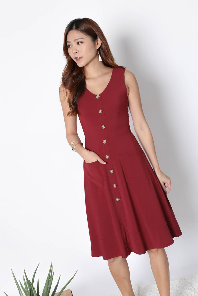 *TPZ* (PREMIUM) GABBY BUTTON DOWN POCKET DRESS IN WINE