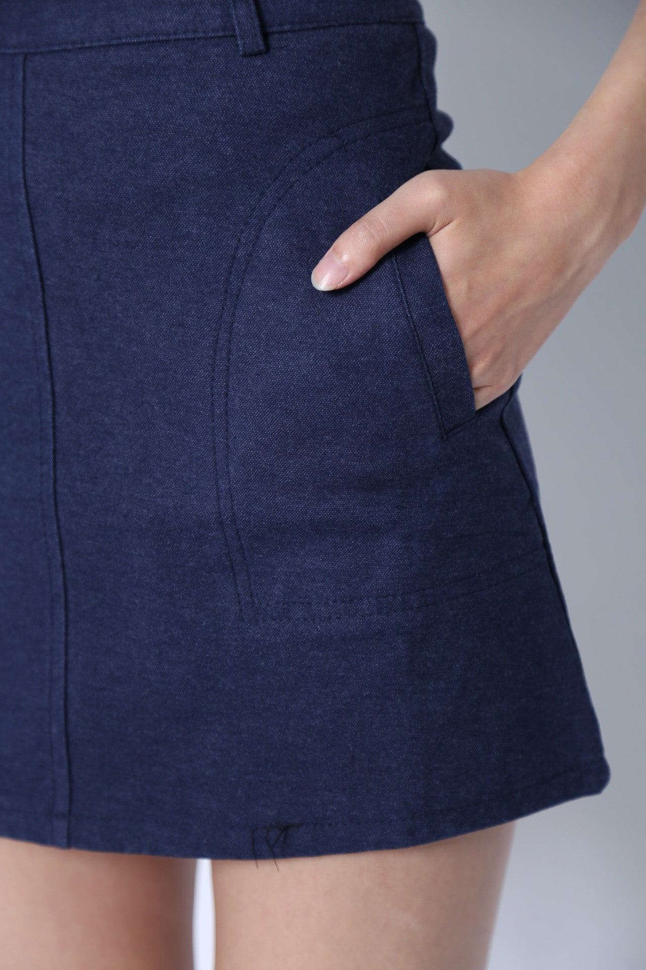 KEEP IT SIMPLE SKIRT IN CLASSIC BLUE - TOPAZETTE