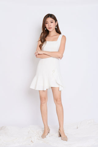 (PREMIUM) ODEL RUFFLES DRESS IN WHITE