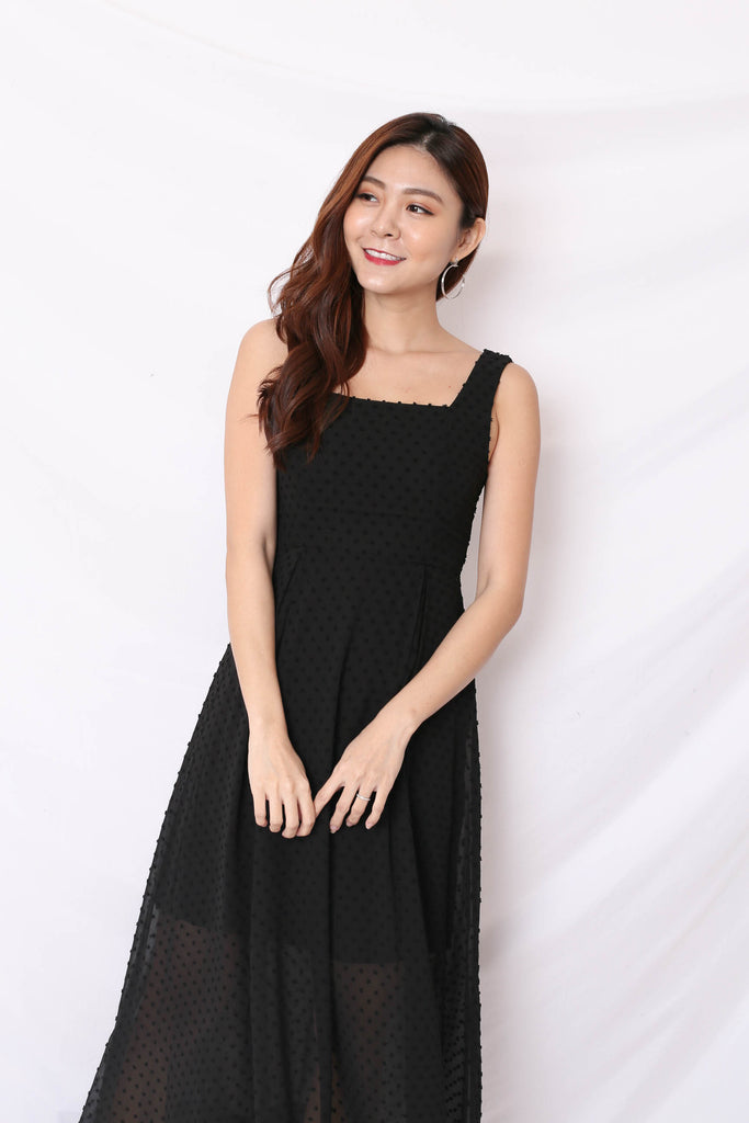 *TPZ* (PREMIUM) JAYN SWISS DOT MAXI IN BLACK