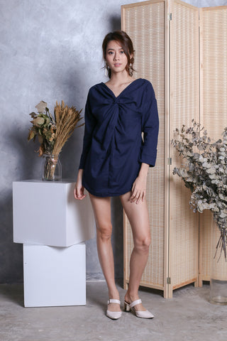 EVAN OUT OF BED TWISTED SHIRT IN NAVY