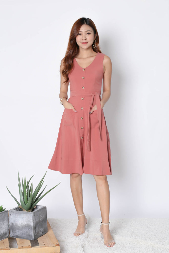 *TPZ* (PREMIUM) GABBY BUTTON DOWN POCKET DRESS IN CORAL