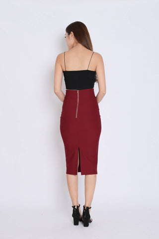 CLASSIC SLIT PENCIL SKIRT IN WINE