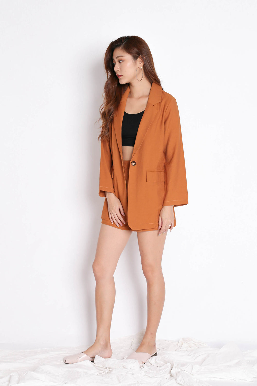 STELLIZ BLAZER AND SHORTS SET IN CAMEL