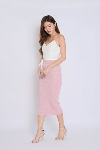 KAX CRISS CROSS KNIT SKIRT IN PINK