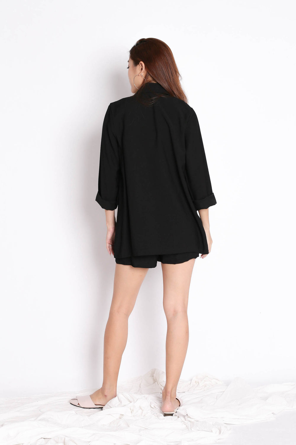 STELLIZ BLAZER AND SHORTS SET IN BLACK