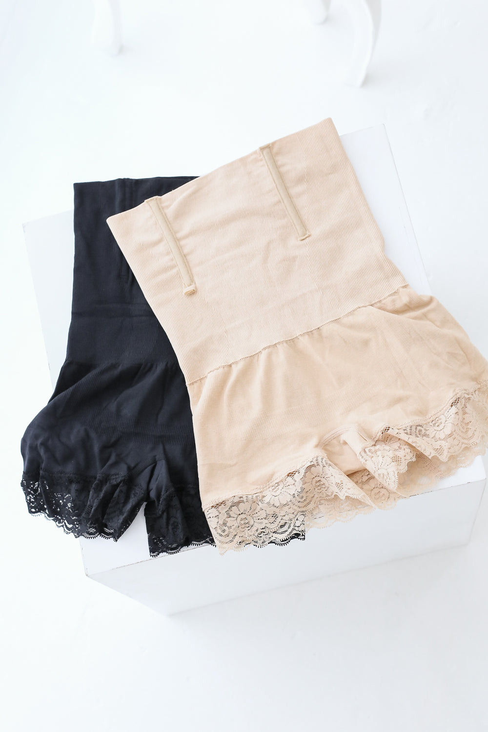 *RESTOCKED* COTTON LACE TUMMY + HIP TUCKER IN BLACK
