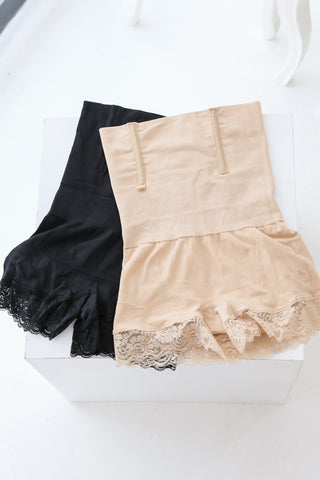*BACKORDER* COTTON LACE TUMMY + HIP TUCKER IN BLACK