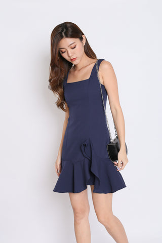 (PREMIUM) ODEL RUFFLES DRESS IN NAVY