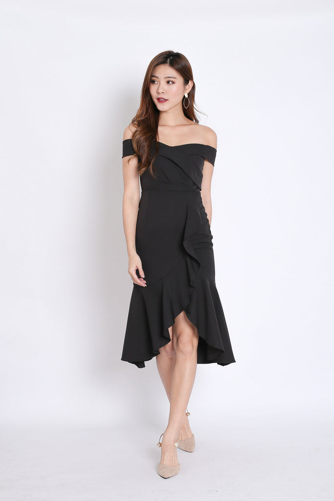 (PREMIUM) URSHA OFF SHOULDER RUFFLES DRESS IN BLACK - TOPAZETTE