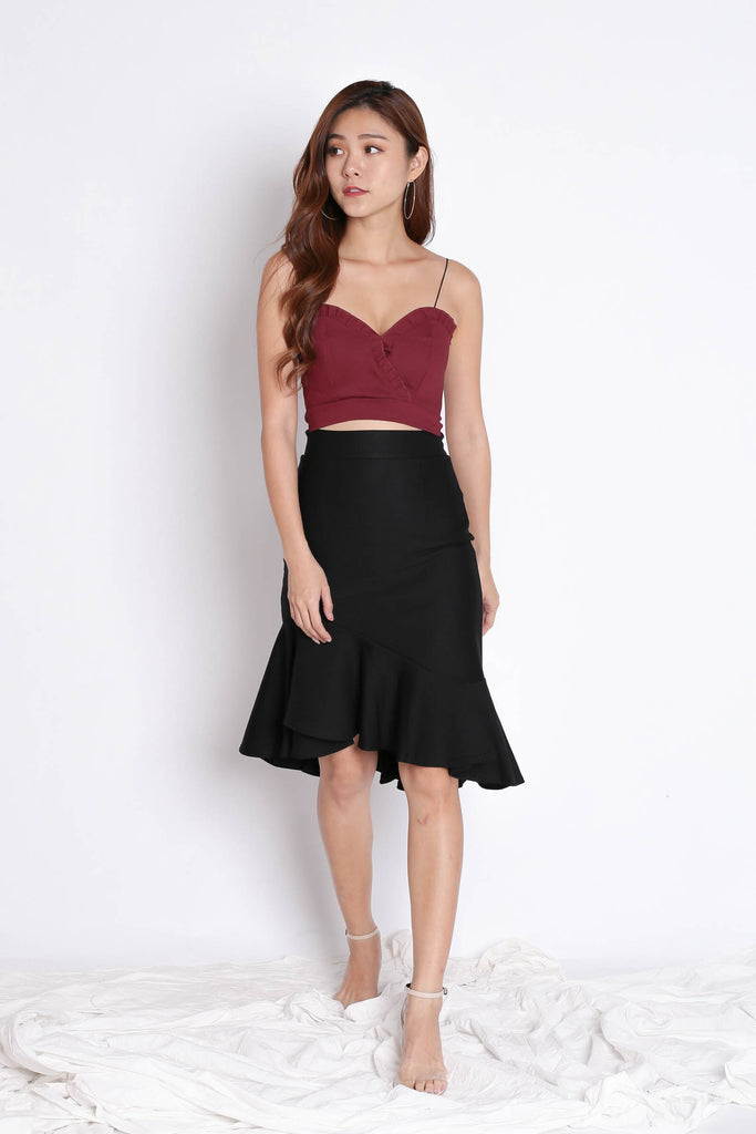 RUFFLES SWEETHEART CROP TOP IN WINE
