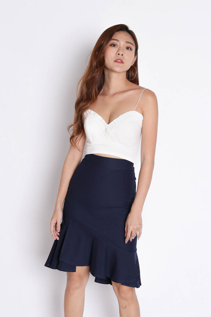 RUFFLES SWEETHEART CROP TOP IN WHITE