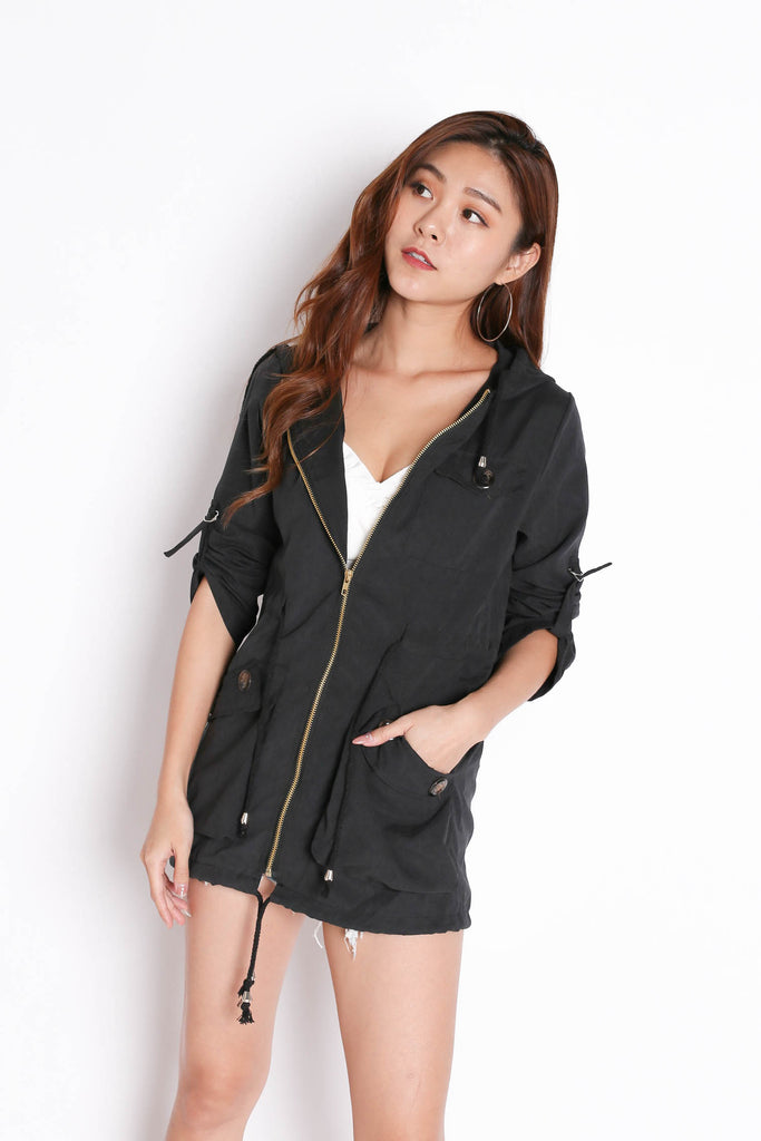 TAL PARKA WITH HOOD IN BLACK - TOPAZETTE