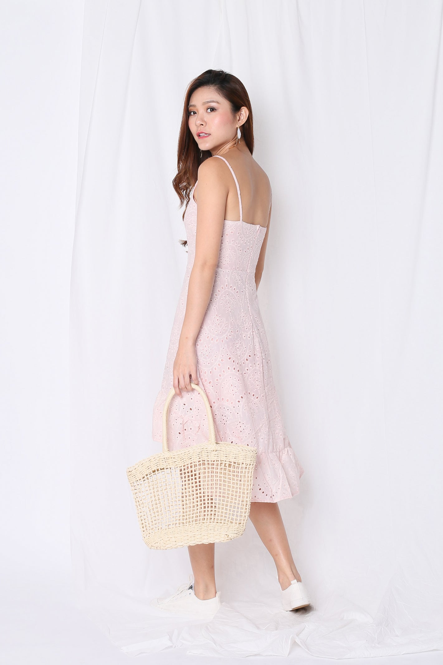 *TPZ* (PREMIUM) SHEVELLE EYELET DRESS IN BABY PINK