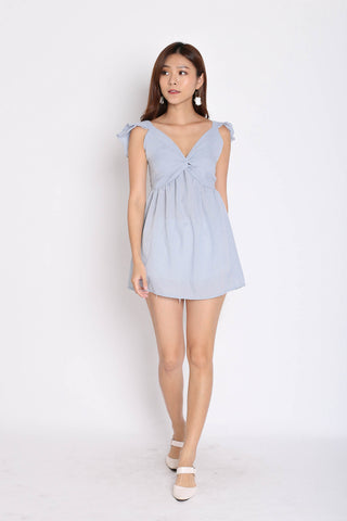 BABYDOLL GINGHAM RUFFLES TOP IN DUSTY BLUE