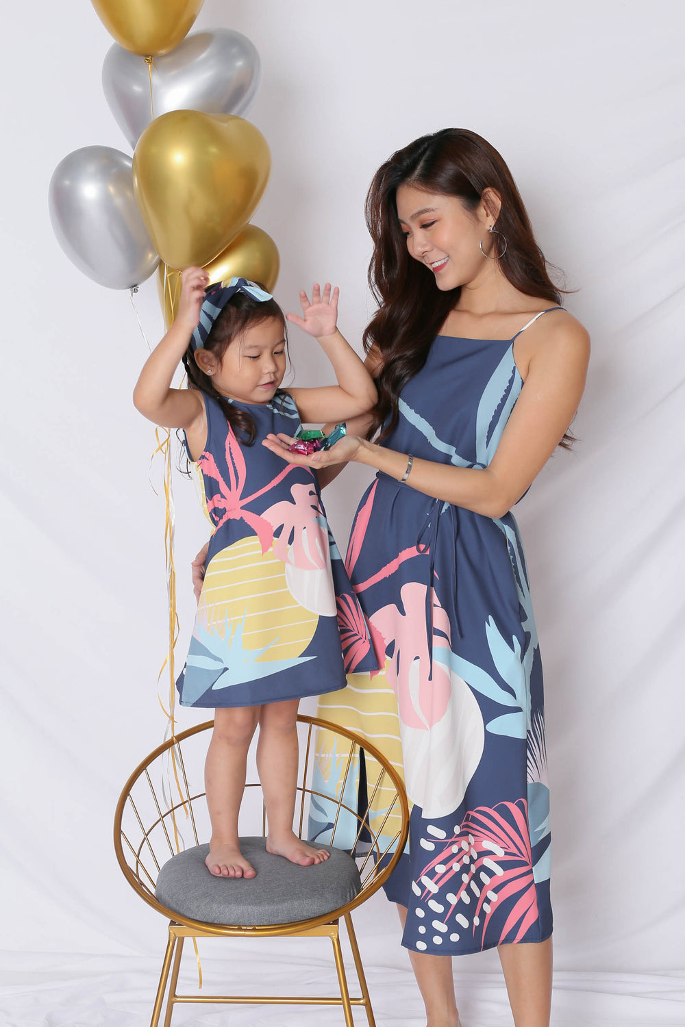 (PREMIUM) ALOHA SHIFT DRESS WITH SLIT IN NAVY