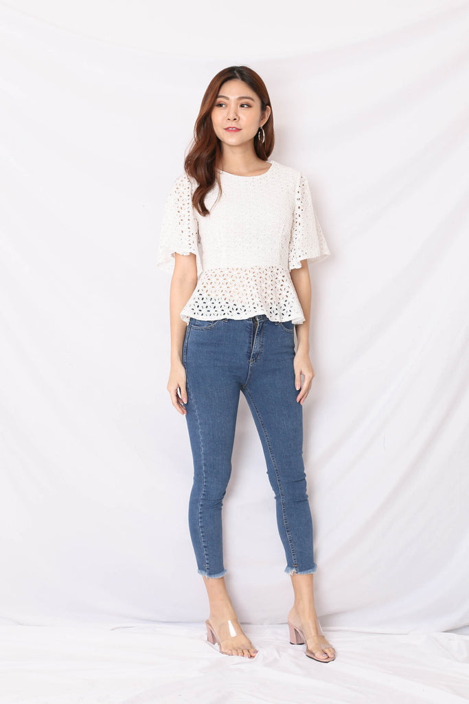 *TPZ* (PREMIUM) OLVA EYELET TOP IN WHITE