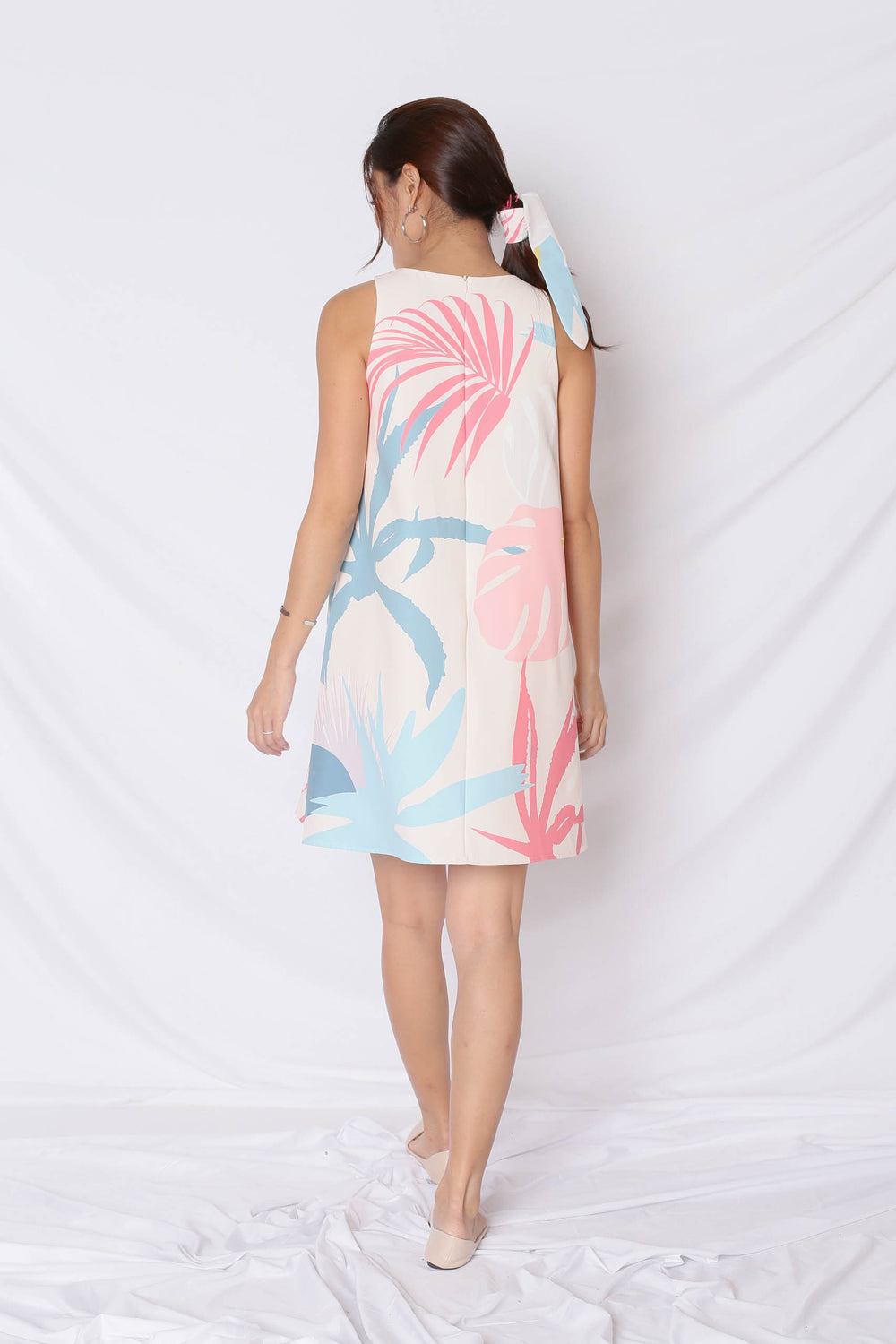 (PREMIUM) ALOHA TRAPEZE DRESS IN CREAM