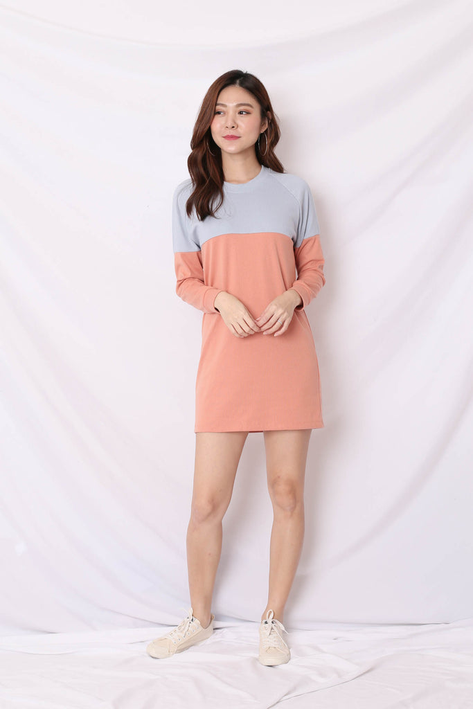 PASTEL COLOURBLOCK SWEATER DRESS (BABY BLUE/ PEACH)
