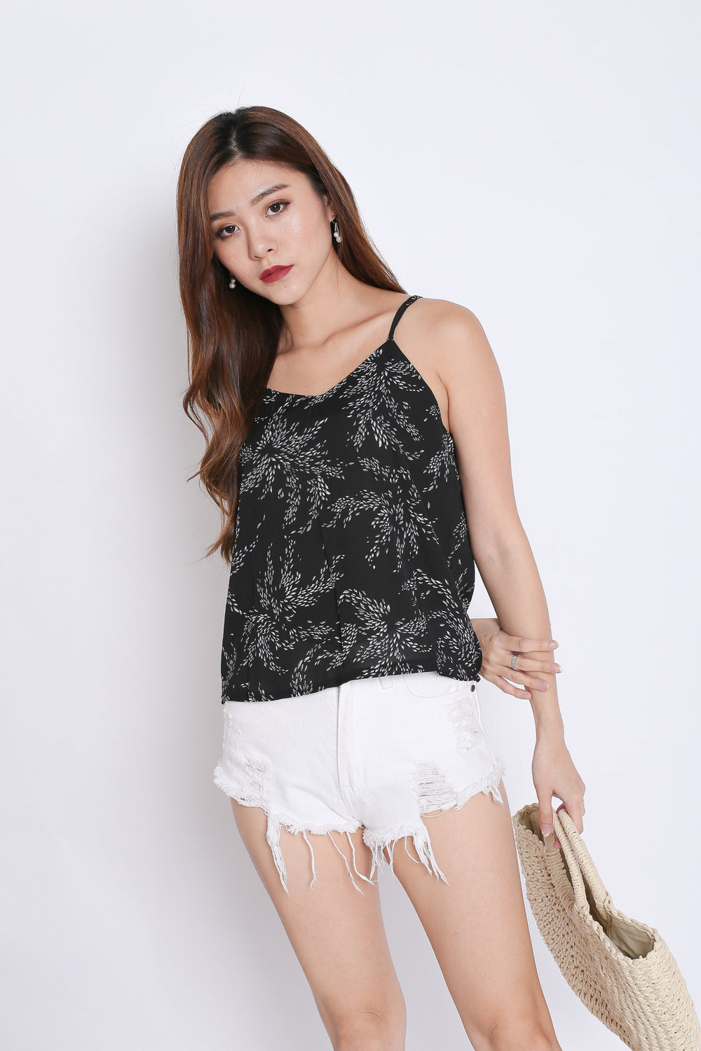 LEAFY SPAG TOP IN BLACK