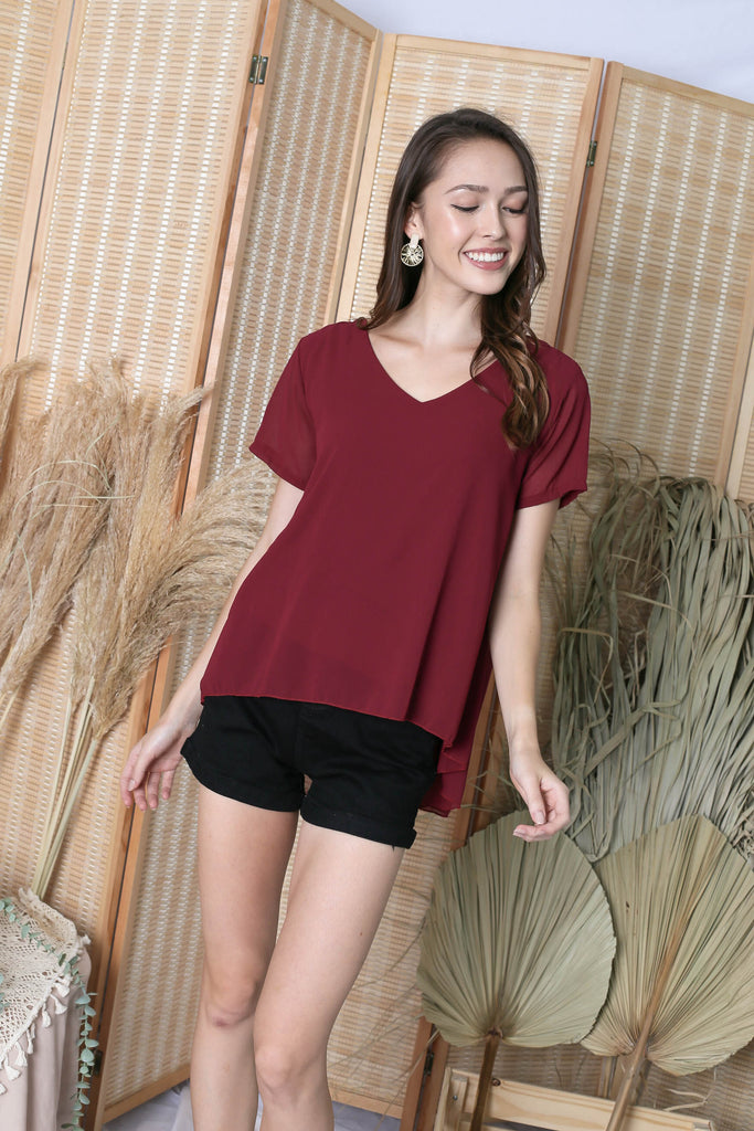 GENESIS CHIFFON TOP IN WINE